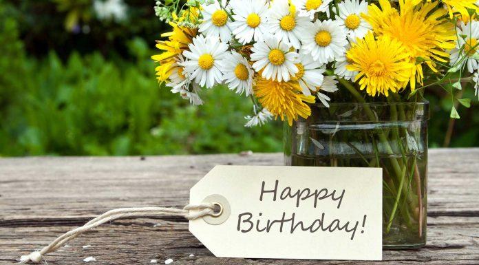10 Frases de cumpleaños para una tarjeta