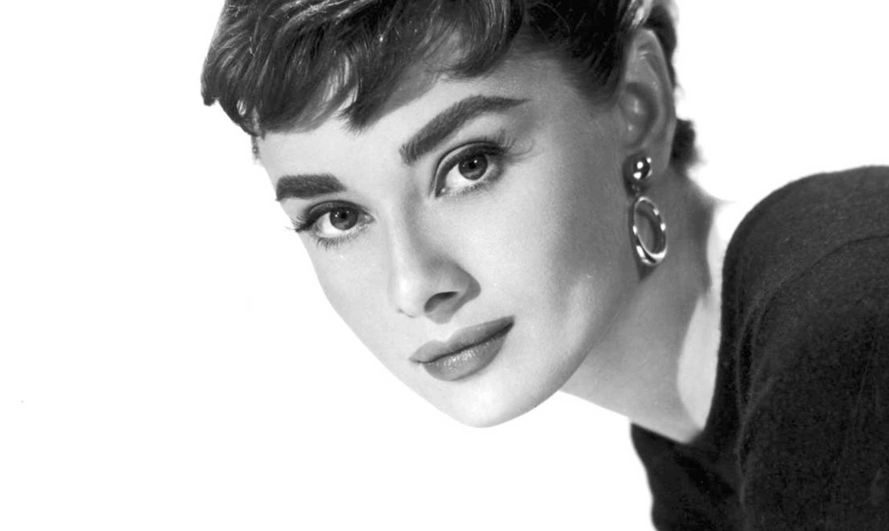 100 Frases De Audrey Hepburn La Esencia De La Elegancia
