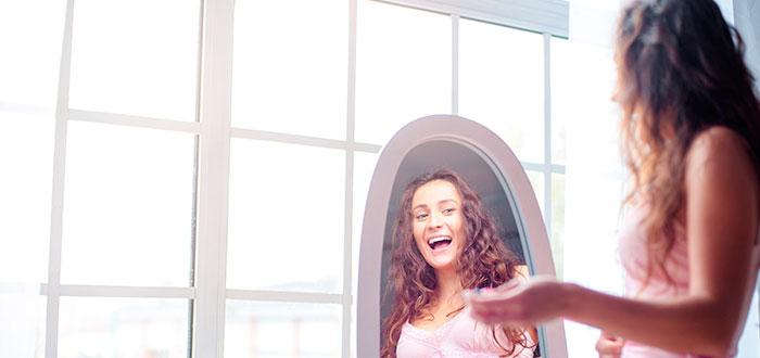 12 Frases claves que debes decirte frente al espejo diariamente 2